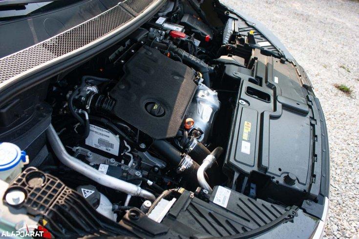 Opel Grandland motortér