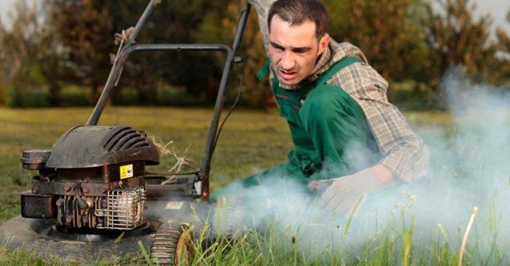 füstölő benzines fűnyíró