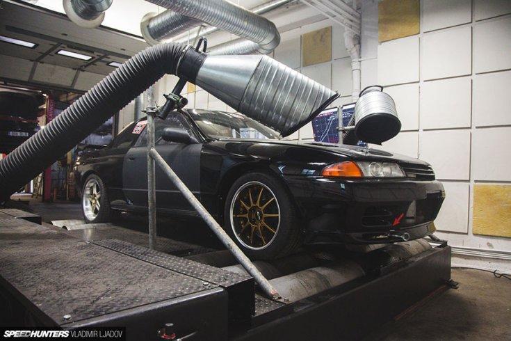 Nissan Skyline BNR32 GT-R mérőpadon