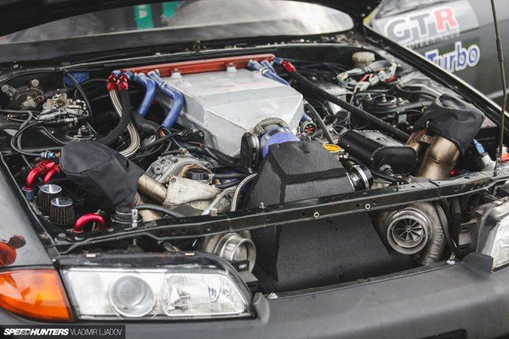 Nissan Skyline BNR32 GT-R motortér