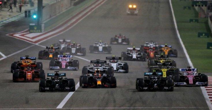 Forma-1-es futam rajt Bahreinben elöl a két Mercedesszel