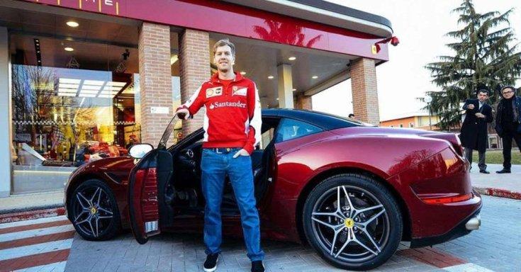 Sebastian Vettel, egy Ferrarival egy olasz kereskedésnél bemutatkozása után