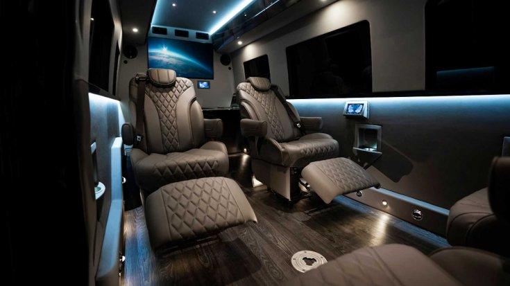2020-as Mercedes Sprinter beltere