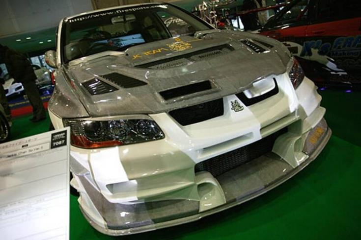 Mitsubishi Evo Jackie Chan edition szemből