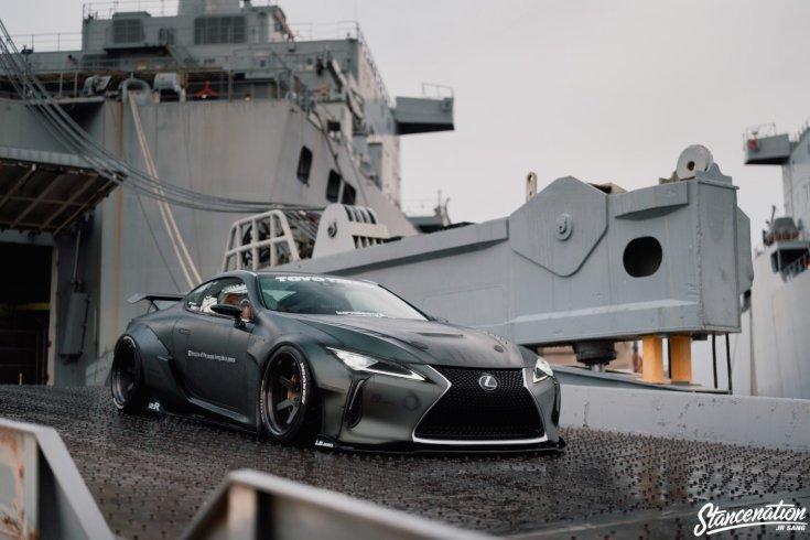 Alttag: Jerald Yutadco Lexus LC500 SEMA kiállítási darab szemből