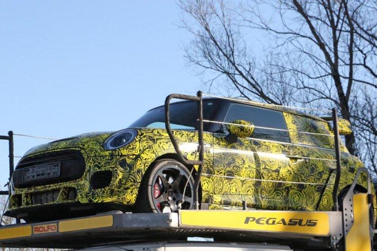 MINI JCW GP III tesztelés traileren