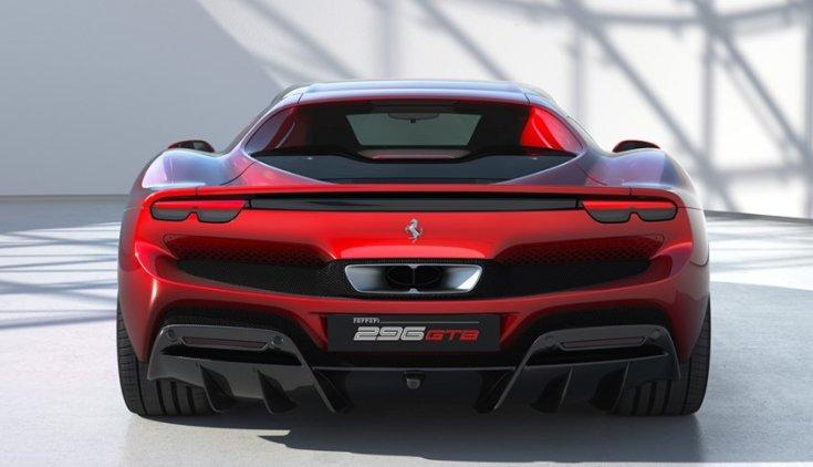 Ferrari 296 GTB hátulról