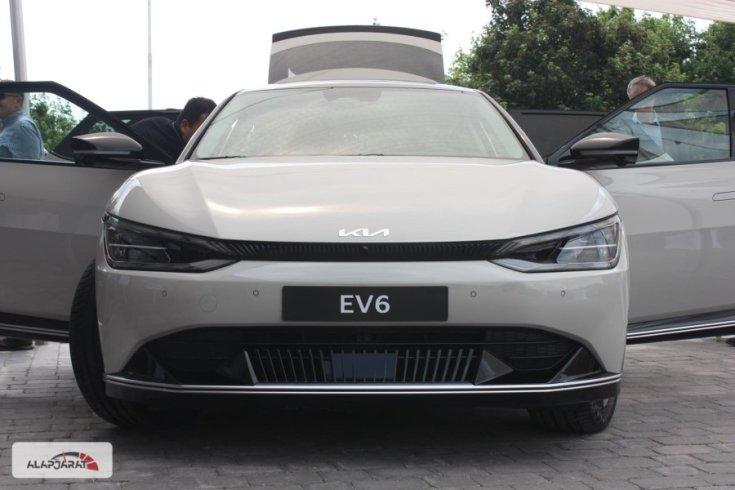 Kia EV6 szemből