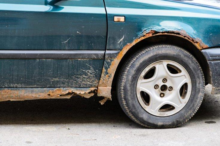 rozsdás autó