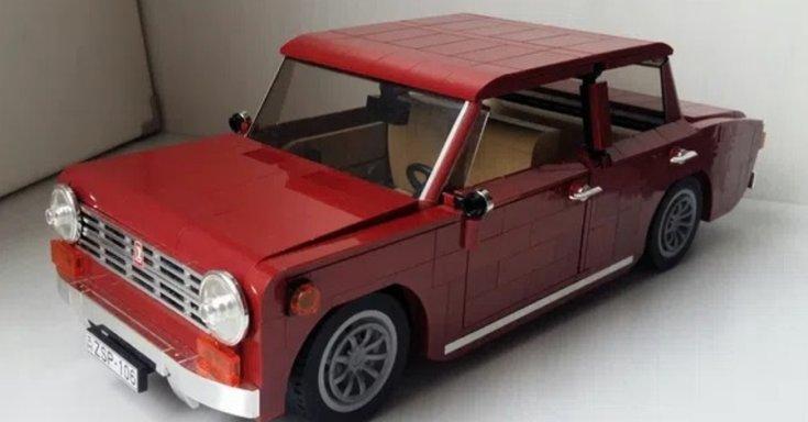 LEGO-ból épült Lada oldalról