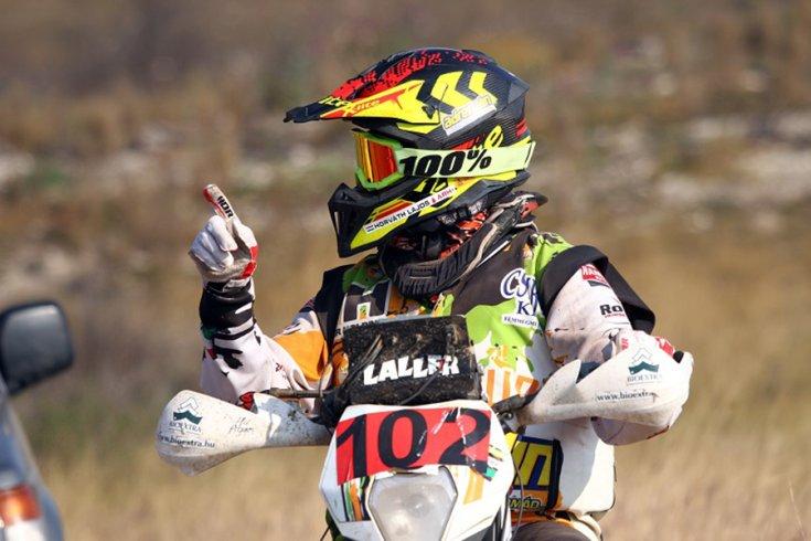 Laller az ismert Dakaros trénerként vett részt