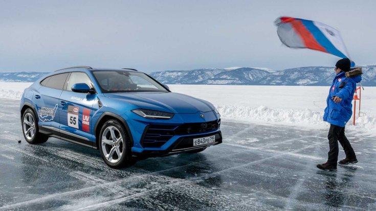 Lamborghini Urus a jégen
