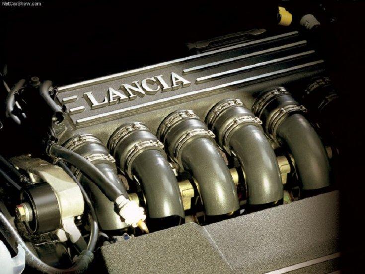 Lancia Thesis motor