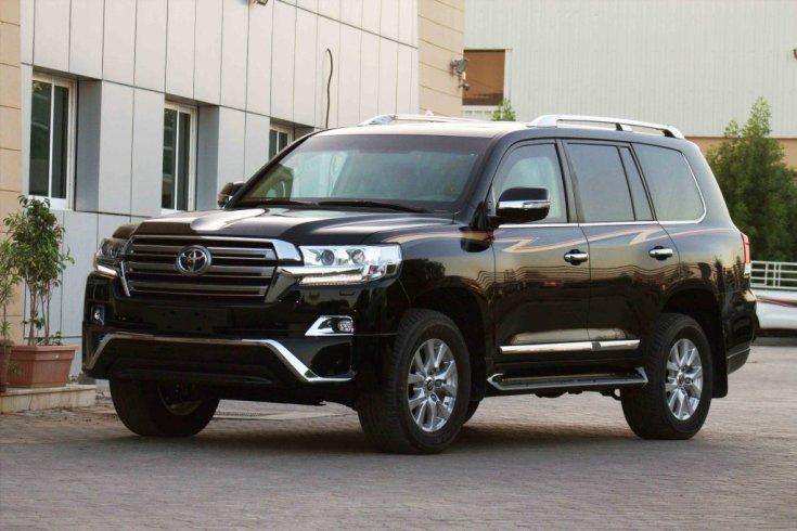 Toyota Land Cruiser, hátsó udvaron