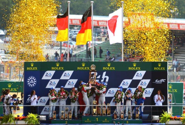 tag: díjátadás a Le Mans-i 24 órás dobogósaival