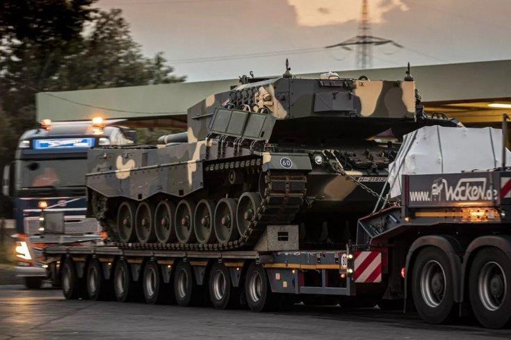 harckocsik szállítása