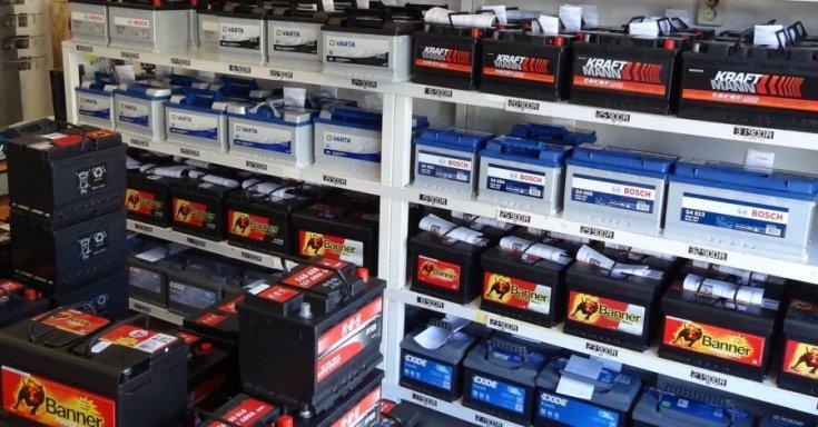 Akkumulátorok a LESTI AKKU Kft egyik boltjában