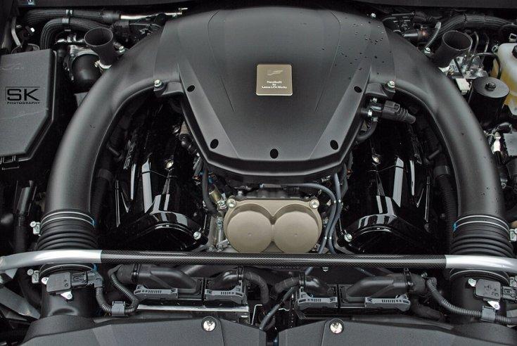 A Lexus LFA V10-es motorja beépítve
