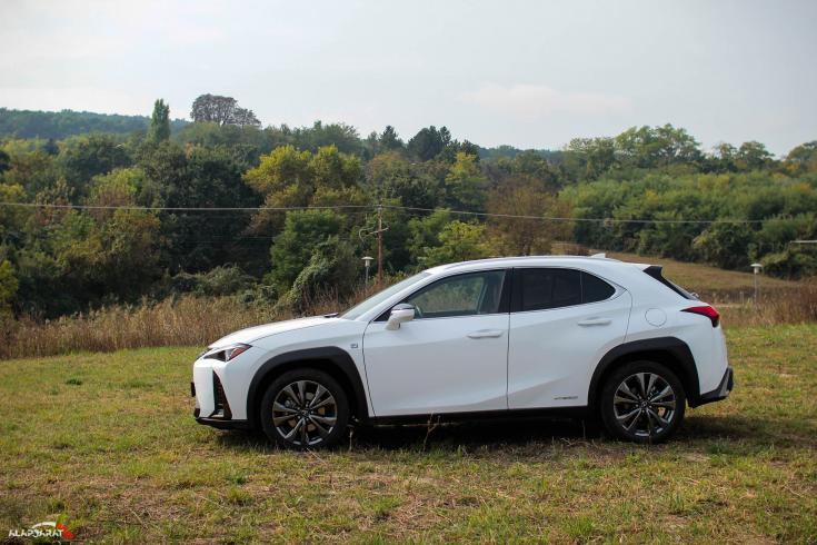Lexus UX 250h teszt Alapjárat