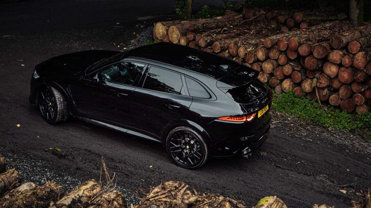 Lister Stealth SUV oldalról