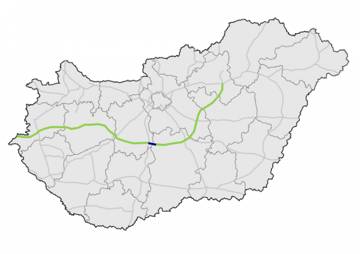 Az M8-as gyorsforgalmi út Székesfehérvár és Kecskemét városát köti majd össze.