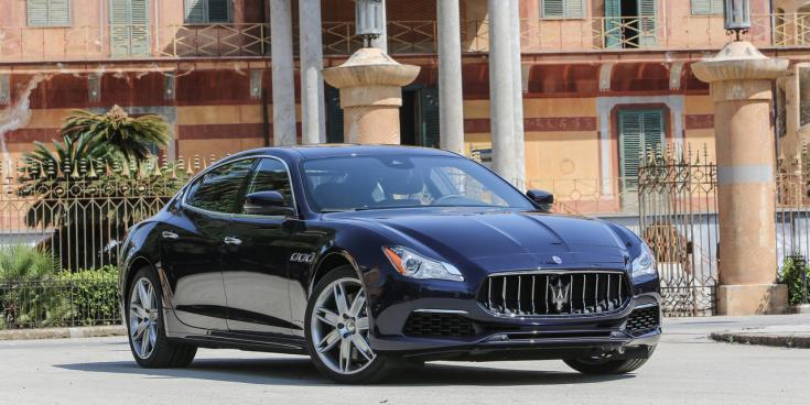 Maserati Quattroporte, elegáns olasz udvaron