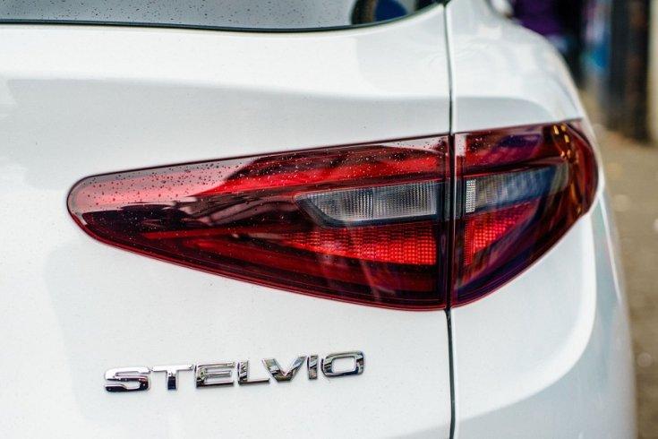 Alfa Romeo Stelvio hátsó lámpatest
