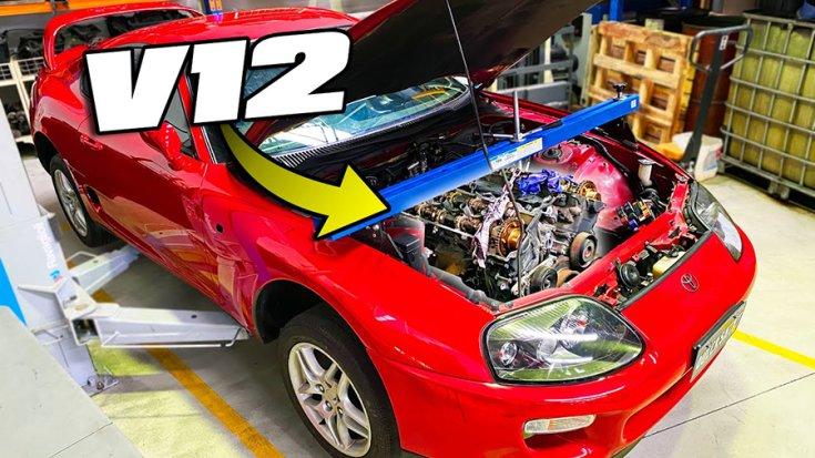 A negyedik generációs Toyota Supra motorterében a V12-es blokk