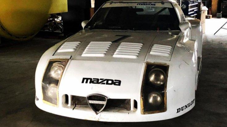 Mazda 254i RX-7 szemből