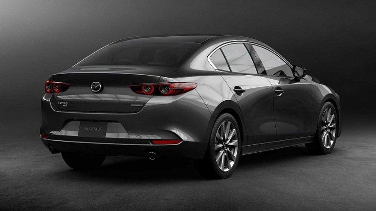 2020-as Mazda 3 hátulról fotózva