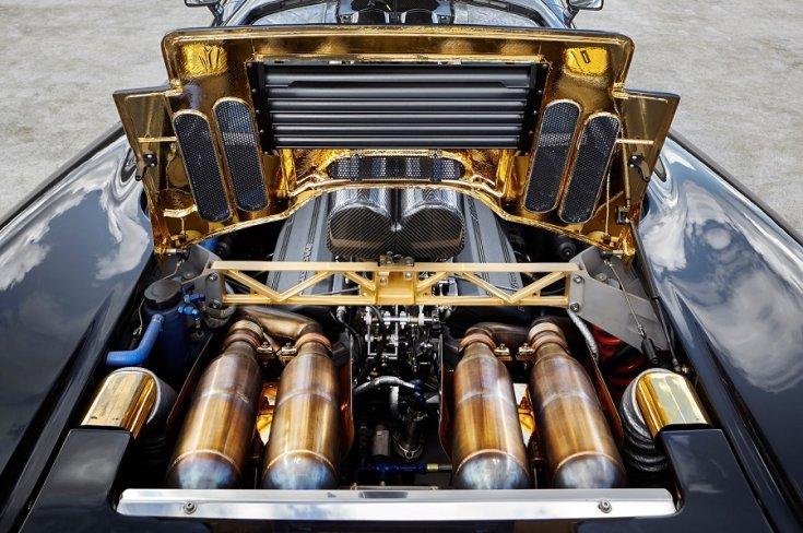 A McLaren F1 aranyozott motortere