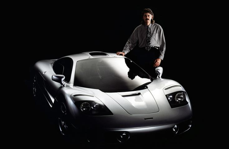 Gordon Murray a McLaren F1 mellett