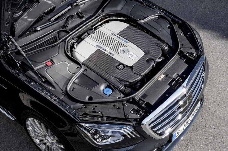 Mercedes-AMG motor közelről
