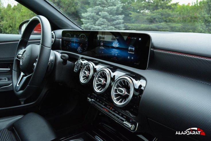 Mercedes-Benz A200 Teszt Alapjárat