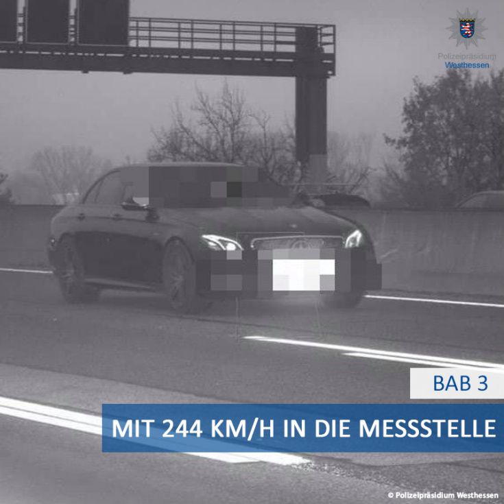 Mercedes-AMG egy traffipax-fotón