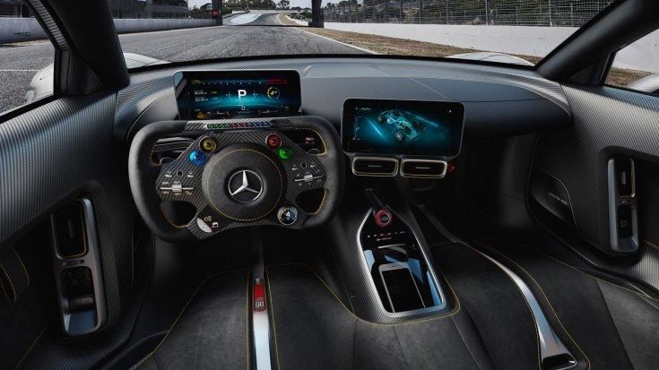 1200 lóerős Mercedes-AMG One belső tere