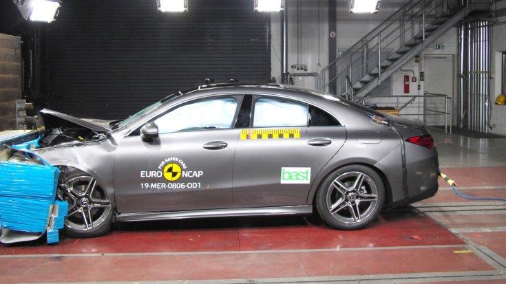 Mercedes-Benz CLA Euro NCAP törésteszt