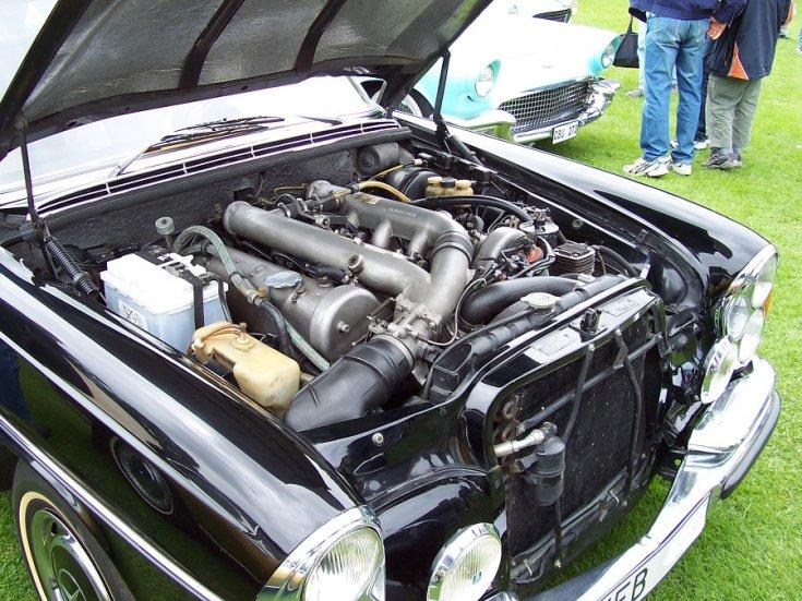 Mercedes M100