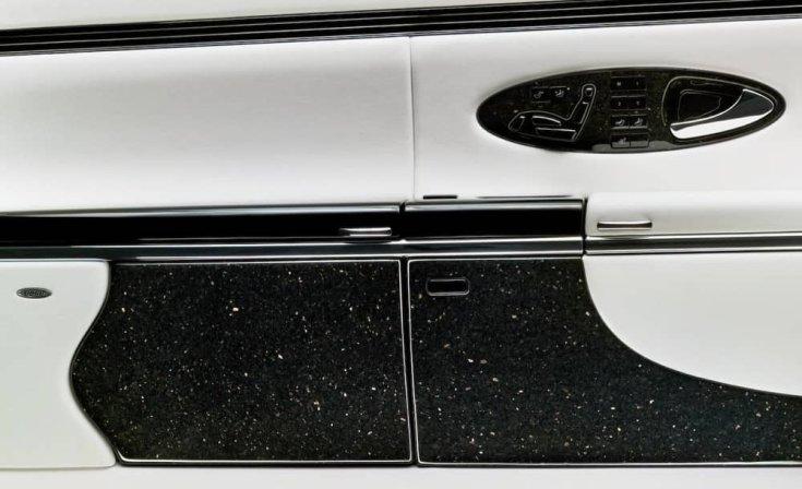 Mercedes-Maybach gránit díszítőelemek