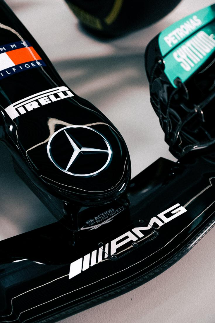 A Mercedes 2021-es konstrukciójának orra közelről