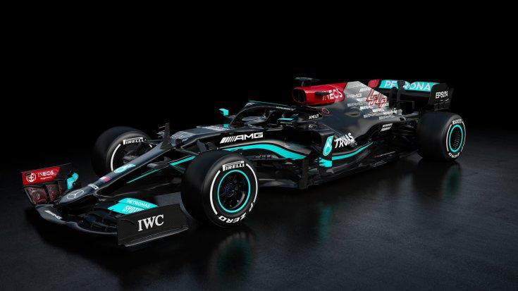 A Mercedes 2021-es konstrukciója szemből, oldalról