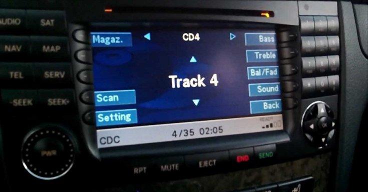 2002 Mercedes-Benz W211 E-osztály Groß Kommand navigáció, rádió, előlnézet, balról