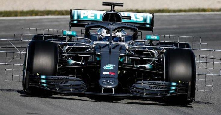 Bottas tesztel a Mercedes-szel
