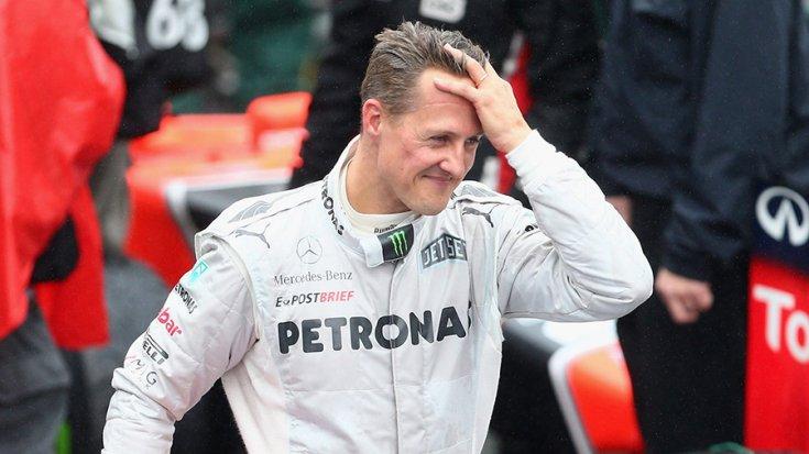 Michael Schumacher a Mercedes-es korszakában a paddockban