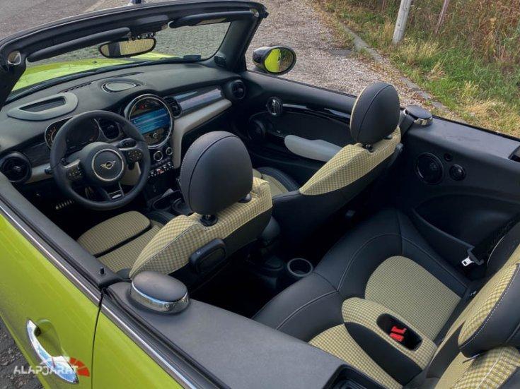 Mini Cooper JCW Cabrio belső