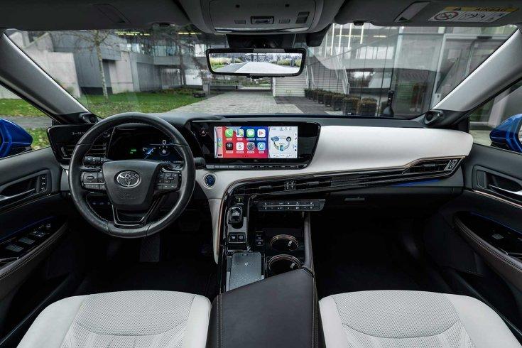 Toyota Mirai műszerfal