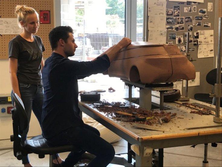 Agyagmodell-készítés a MOME műhelyében
