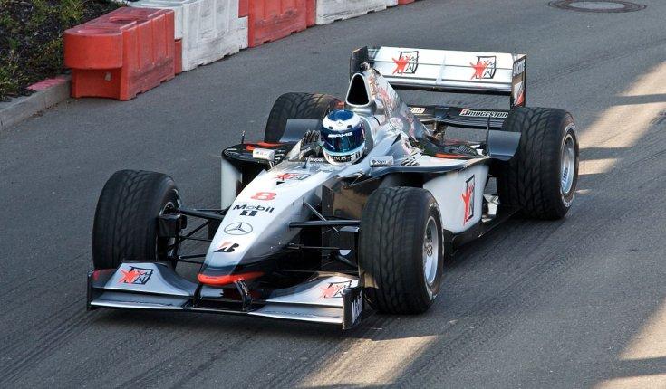 1998 McLaren MP4-13