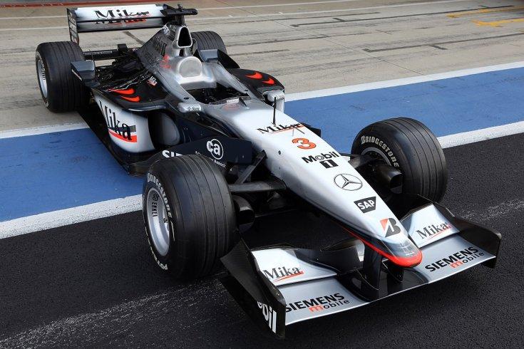 2001 McLaren MP4-16