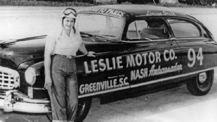 NASCAR 1950 Nash Ambassador, Louise Smith, NASCAR Hudson Hornet, fekete fehér kép, oldalnézet, elölről, balról, retróvasak, alapjárat